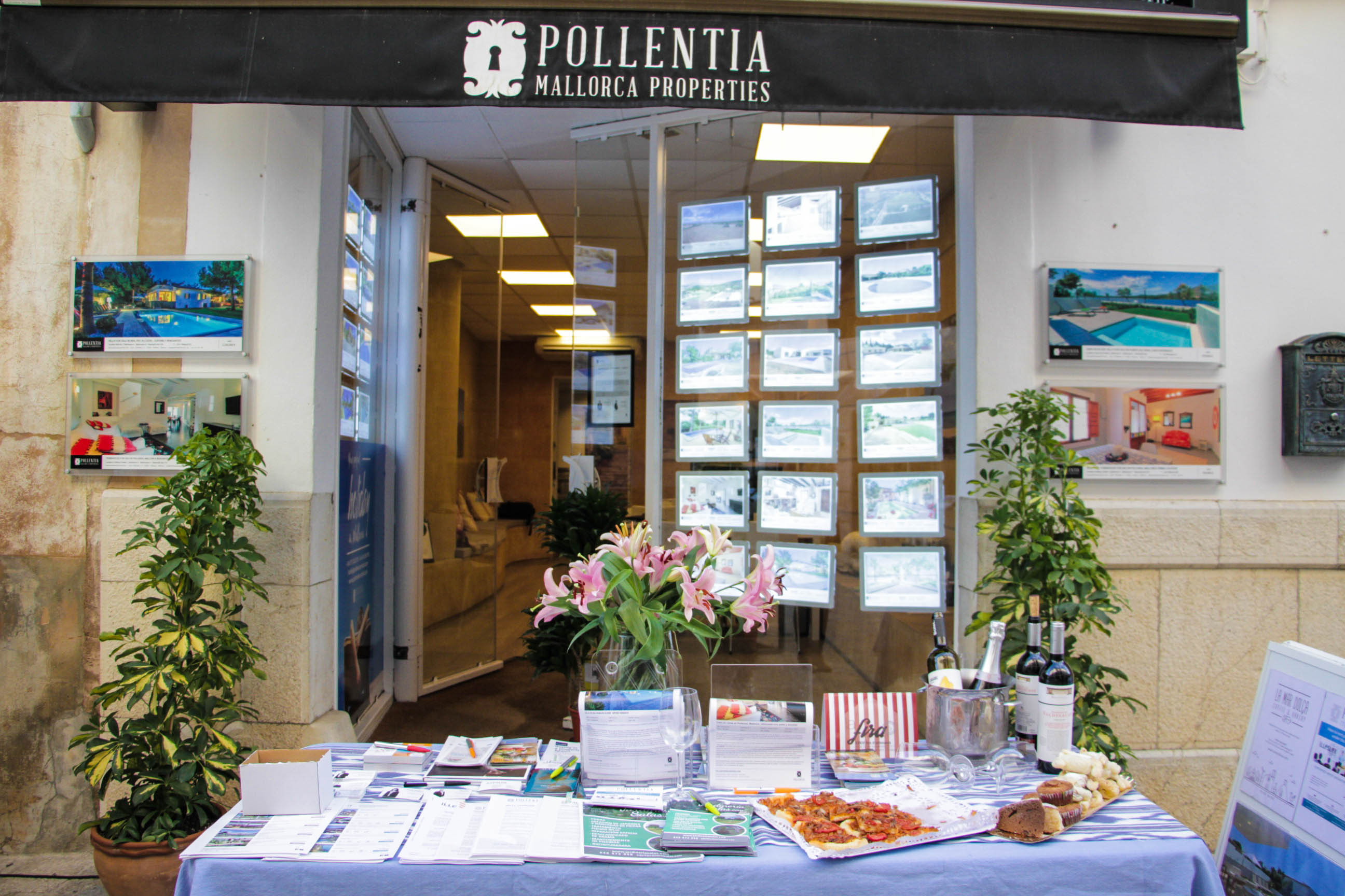 "Our real estate agency in Pollensa wishes ""Molts d'anys per la fira!"""