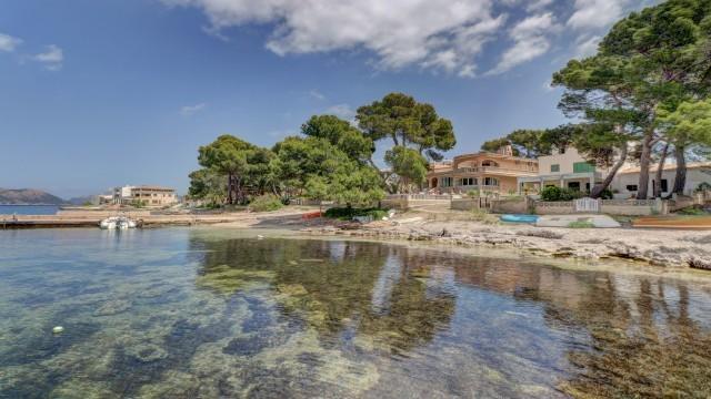 immobilie zum kauf auf mallorca haus am meer in barcares alcudia. Black Bedroom Furniture Sets. Home Design Ideas