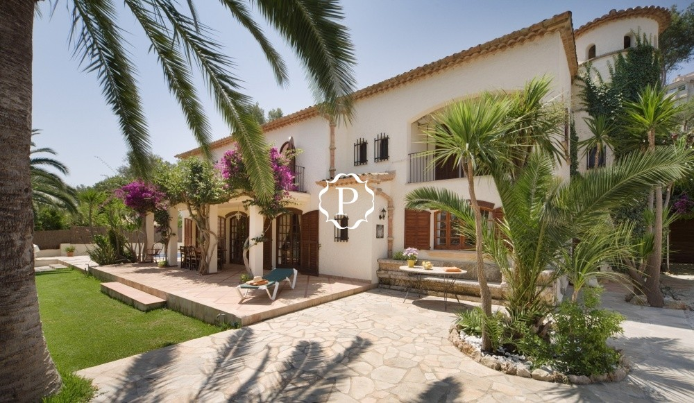 Magnificent villa for sale in Pto Pollensa  Bank repossession