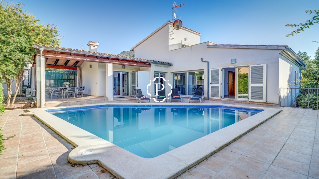 Property for sale in Mallorca attractive villa in Bonaire  Pool 1 - 1