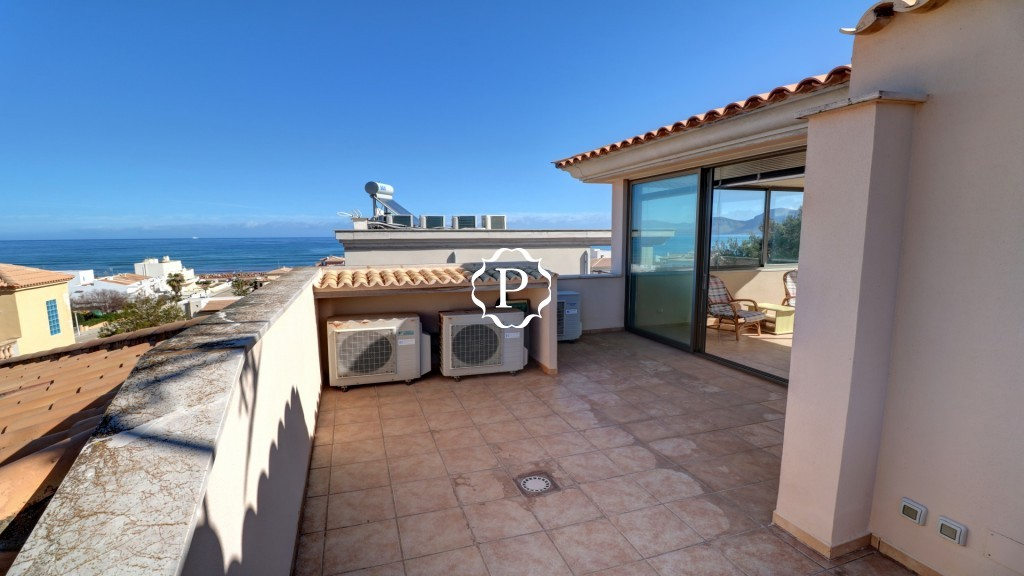 Villa for sale in son serra de marinaTerrace summer room