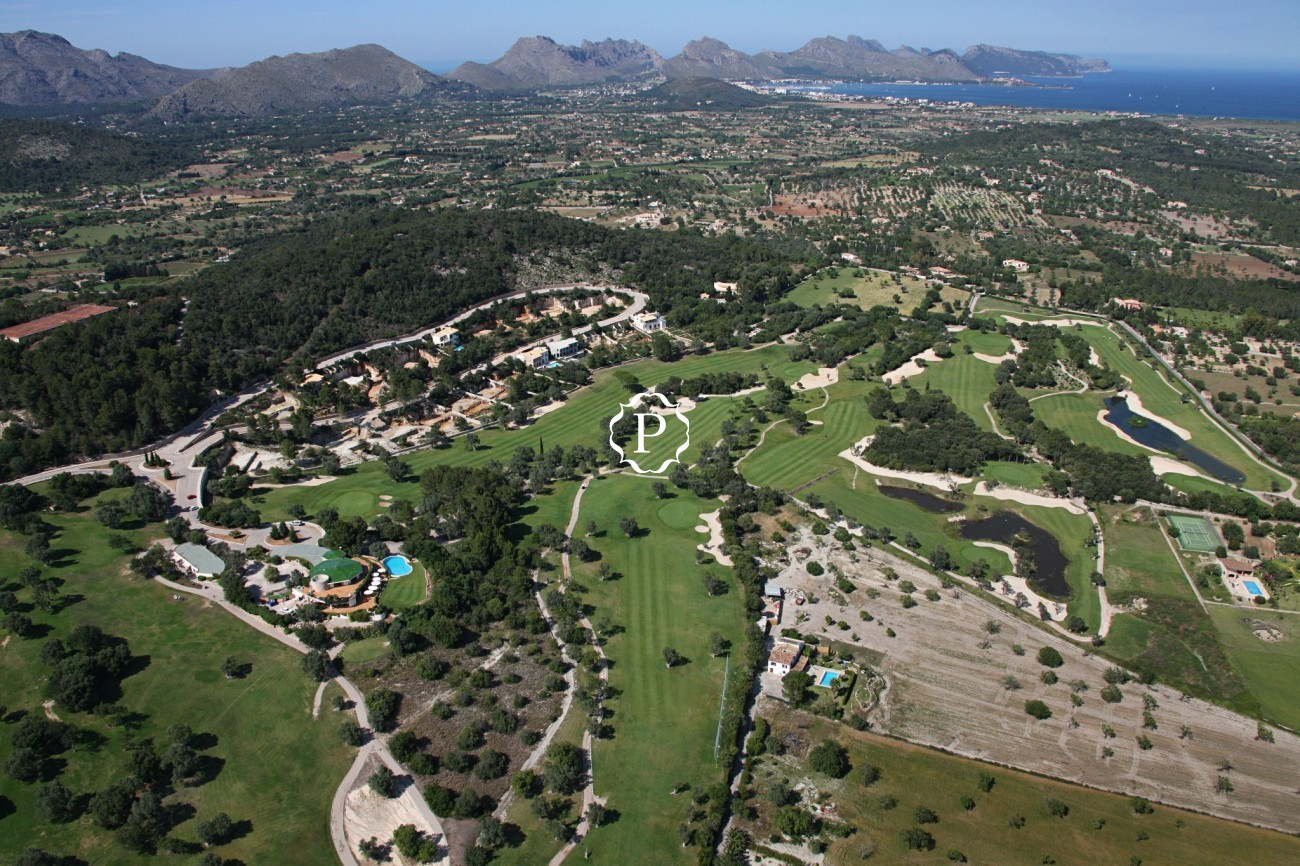 Urban plots for sale in Pollensa - 11 detached villas in the Golf Course
