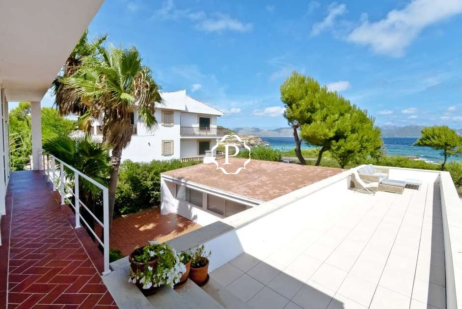 Views Traditional family villa for sale in Mal Pas  Alcudia  North Majorca
