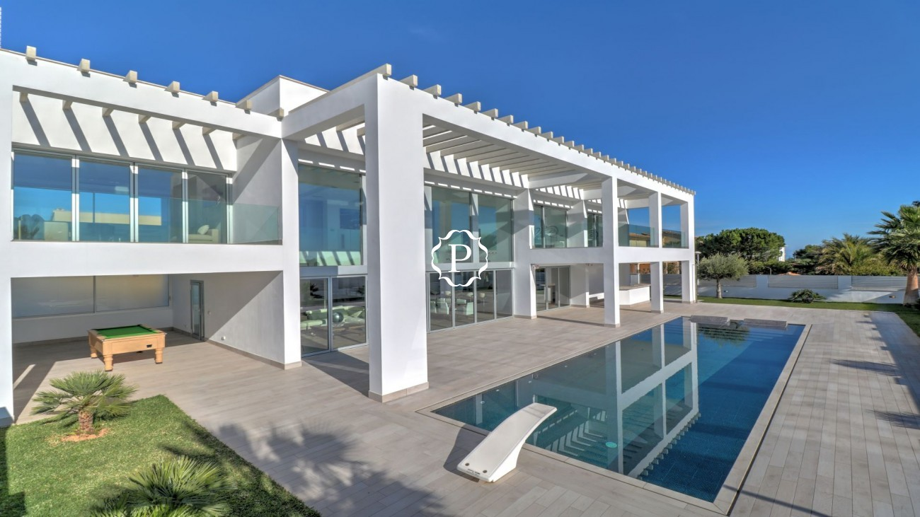 The house Spectacular contemporary villa for sale in Llenaire Puerto Pollensa
