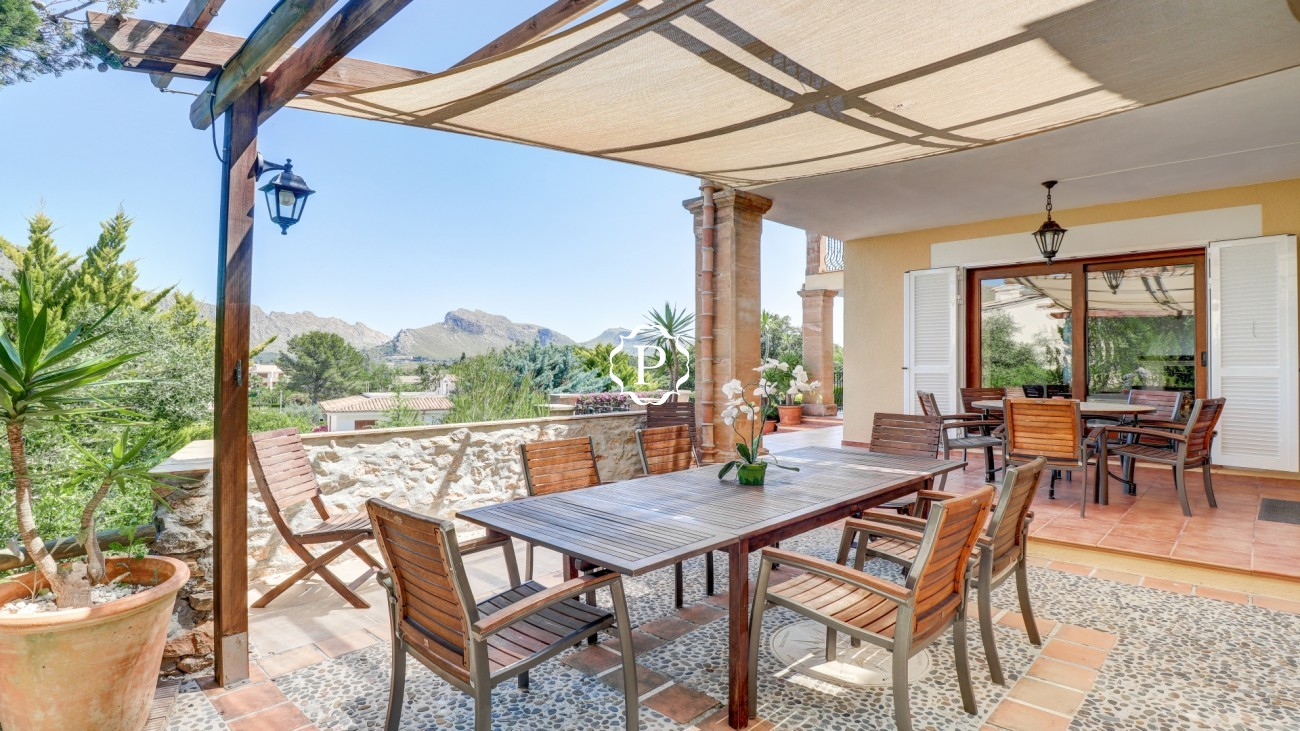 Property for sale in Mallorca, stunning villa in Puerto Pollensa