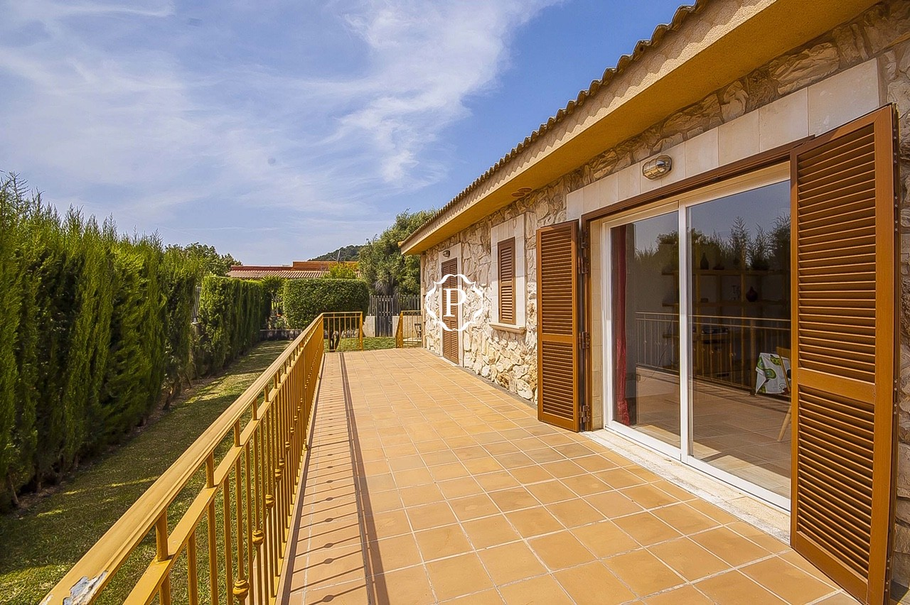 Property for sale in Mallorca single storey villa in Pollensa