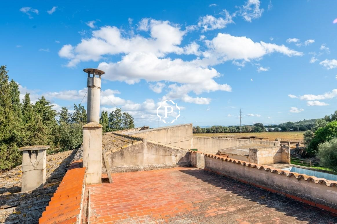 Country home for sale in Campanet